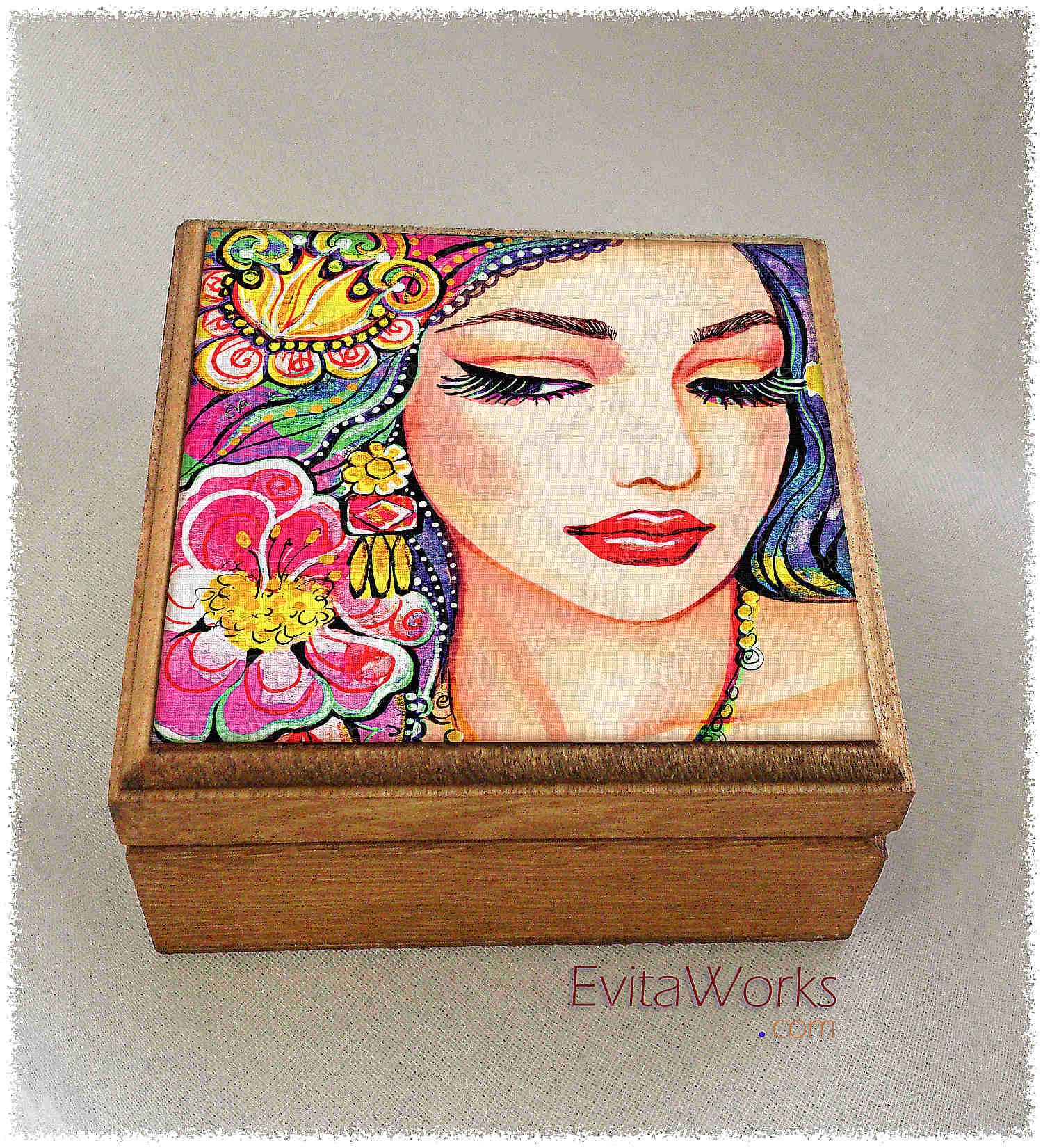 East Woman 21 Boxsq ~ EvitaWorks